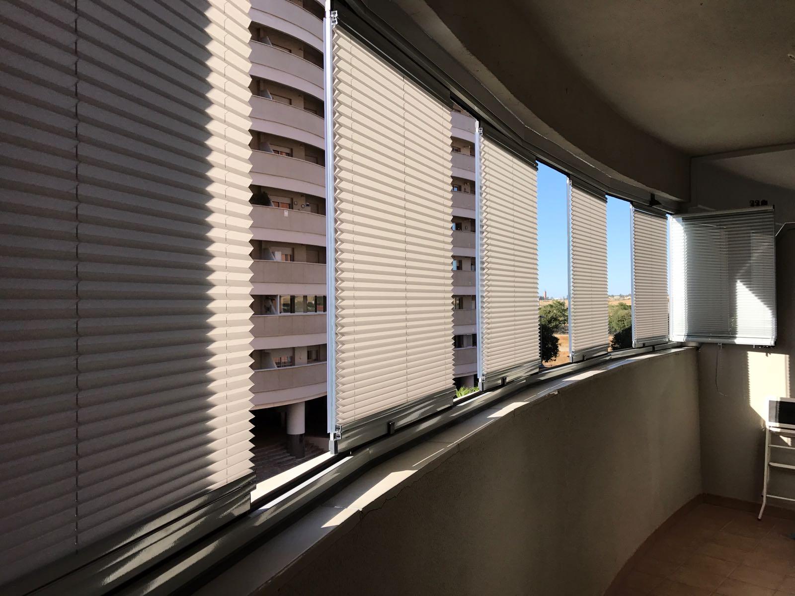 Lumon acristalamientos y cerramientos para terrazas y - Porches de aluminio y cristal ...