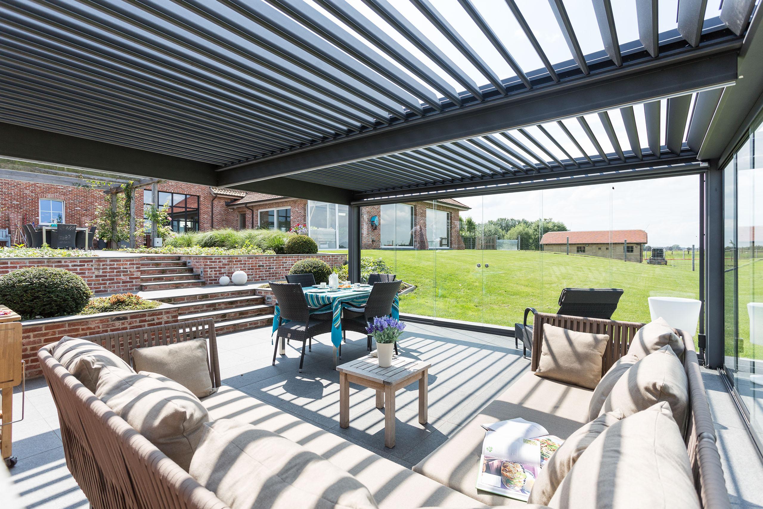 pergolas bioclimaticas sevillaglass. Black Bedroom Furniture Sets. Home Design Ideas